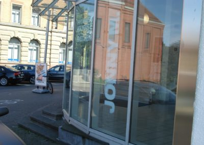 BHf Ludwigsburg, Sicherheitsfolie von aussen 1