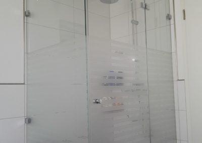 Glas Dekorfolie Streifen an Dusche 1