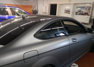 Mercedes AMG Teilfolierung Chromleisten in schwarz glanz 5