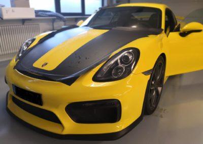 Porsche GT4 Racingbeklebung in schwarz matt (2)