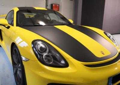 Porsche GT4 Racingbeklebung in schwarz matt (4)